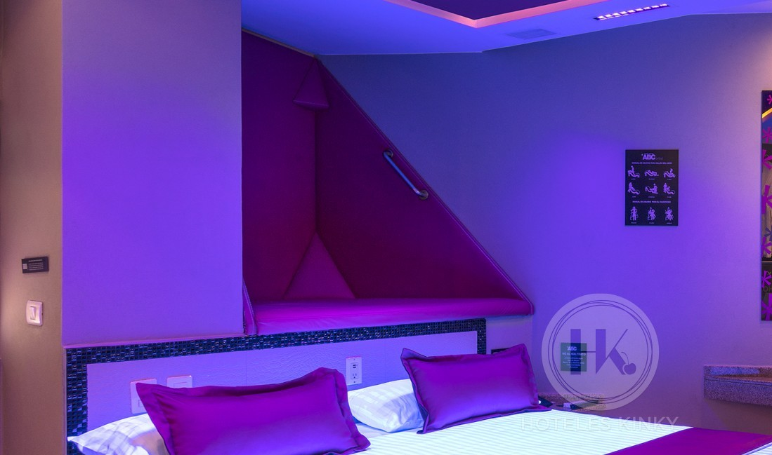 Love Hotel ABCentral, Habitacion Villa con Jacuzzi