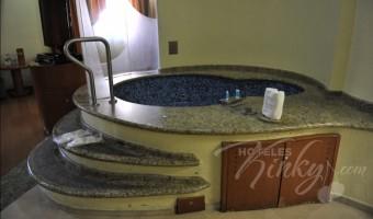 Love Hotel Aranjuez Suites & Villas, Habitación Motel Suite Jacuzzi