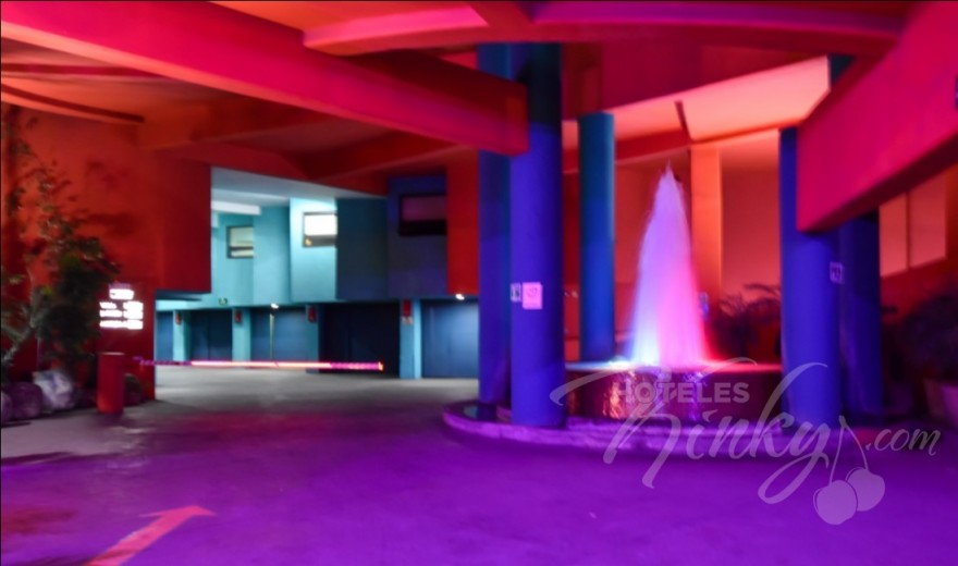 Love Hotel Autohotel Rosso