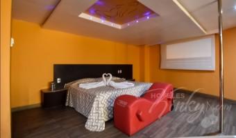 Love Hotel Autohotel Rosso , Habitación Suite Jacuzzi -Sauna