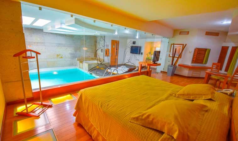 Cálido y acogedor, así es el Love Hotel Skala