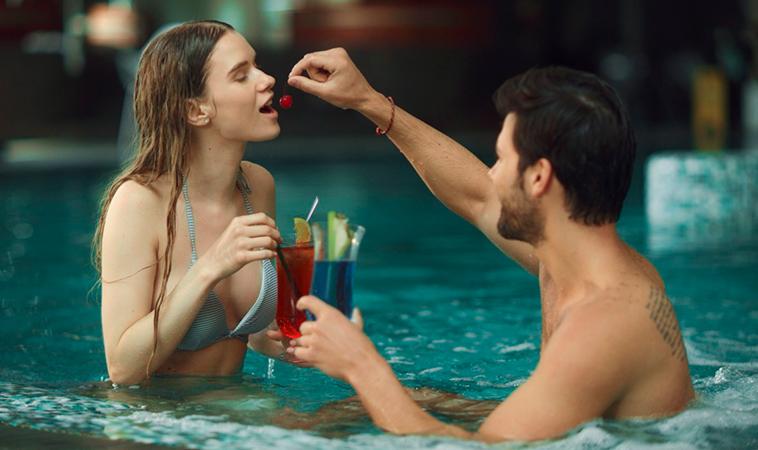 Cócteles eróticos que puedes preparar para el 14 de febrero