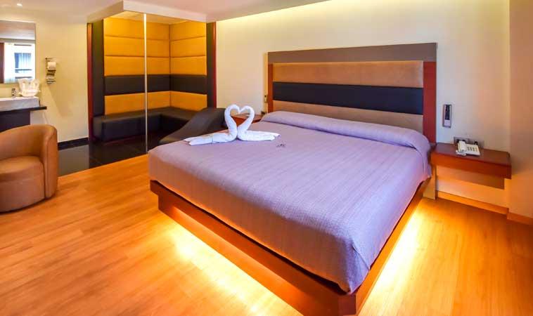 Love Hotel Abastos ¡El placer de complacer!