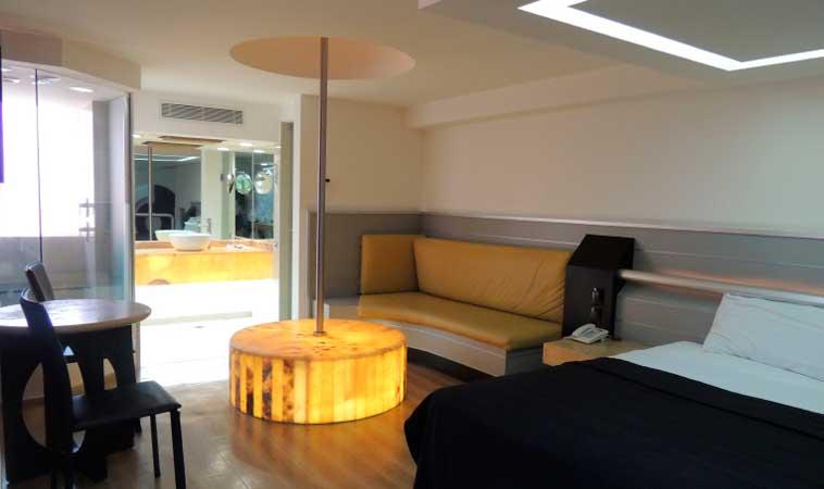 Love Hotel Villa Pórticos: ¡Innovación en el mundo del placer!
