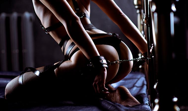 Posiciones sexuales para iniciarte en el Sado