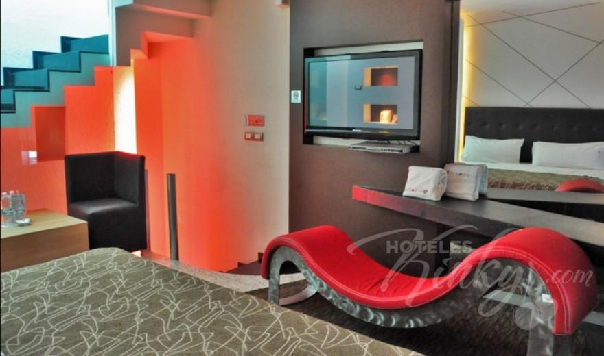 Love Hotel Breogan Suites