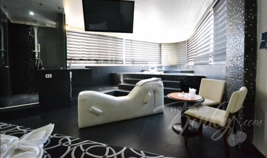 Love Hotel Canceleira, Habitacion Hotel Jacuzzi