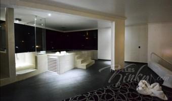 Love Hotel Canceleira, Habitacion Motel Jacuzzi