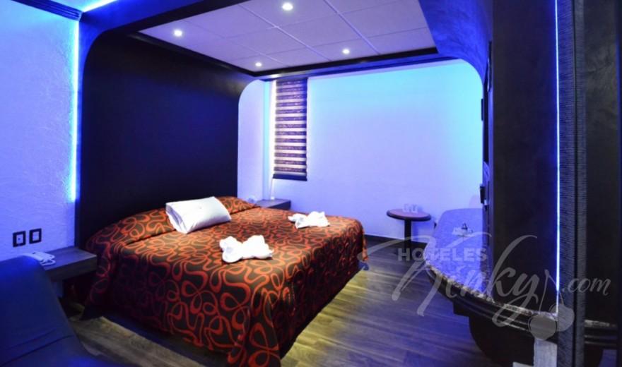 Love Hotel Canceleira, Habitacion Motel