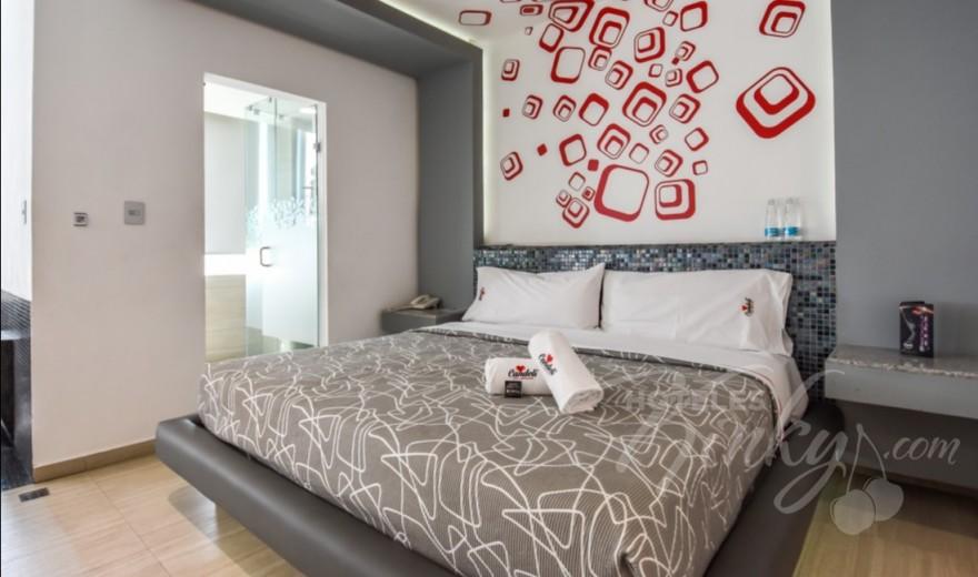 Love Hotel Candeli, Habitacion Suite Jacuzzi
