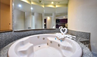 Love Hotel Castello, Habitacion Jacuzzi con Cama de Agua