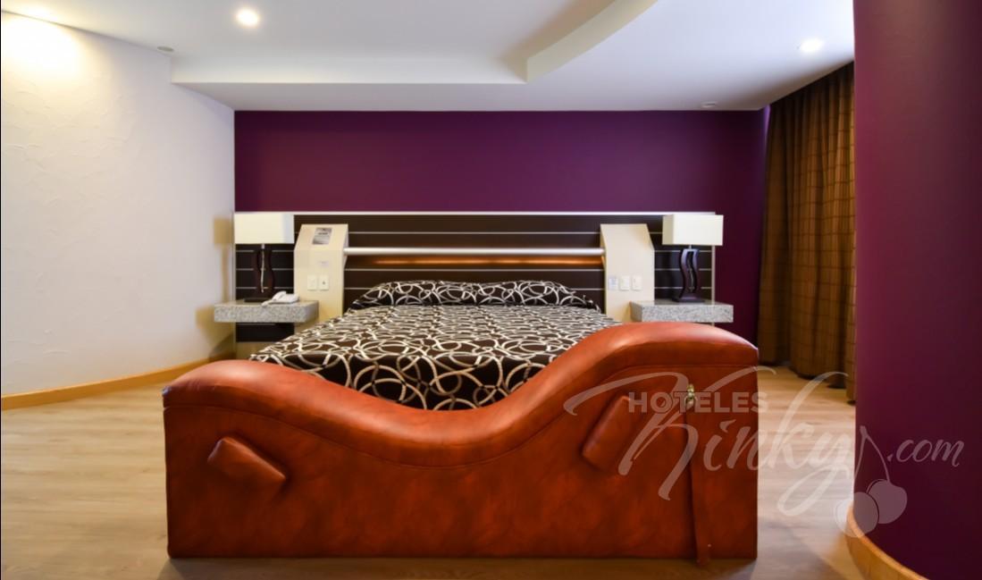 Habitaciòn Jacuzzi con Cama de Agua del Love Hotel Castello