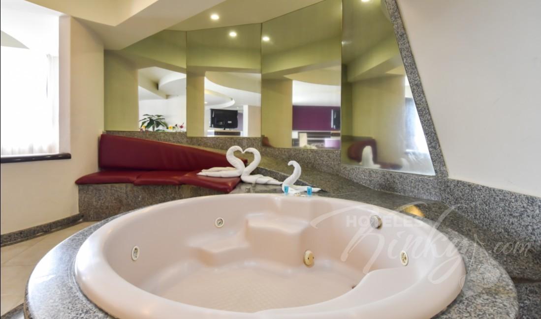 Love Hotel Castello, Habitacion Jacuzzi Torre Amor