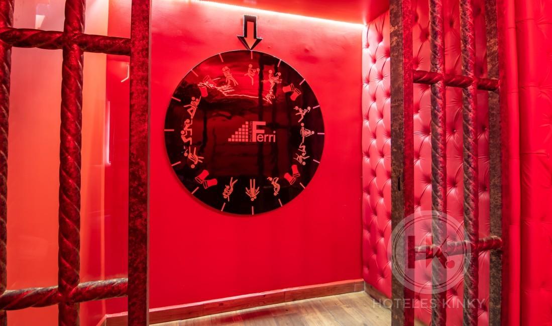 Love Hotel Ferri Hotel & Suites , Habitacion Cuarto Rojo