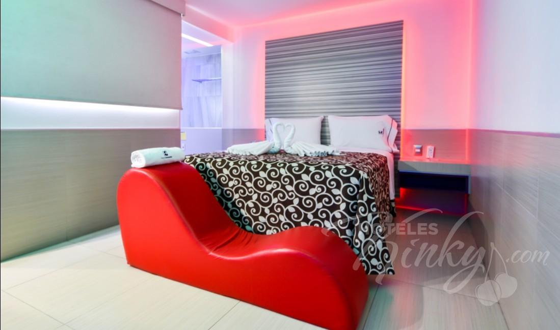 Love Hotel Consulado, Habitacion Jacuzzi con Potro