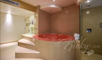 Love Hotel Kron Villas & Suites, Habitacion Torre Doble Jacuzzi