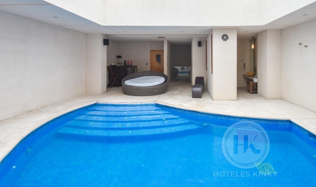 Love Hotel La Moraleja Villas & Suites, Habitacion Torre Suite & Sauna & Alberca