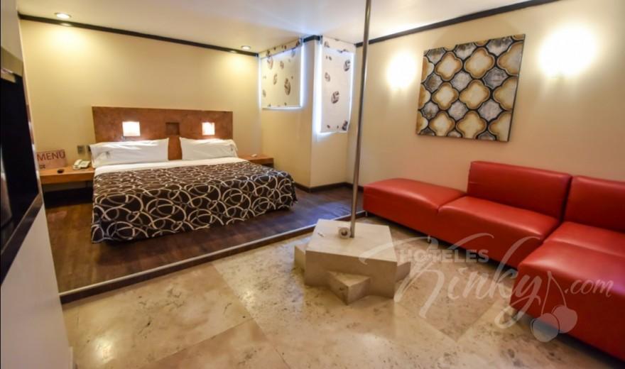 Love Hotel M Motel & Suites - Tláhuac, Habitación Pole Dance