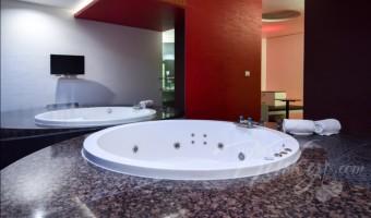 Love Hotel Magnum, Habitacion Jacuzzi