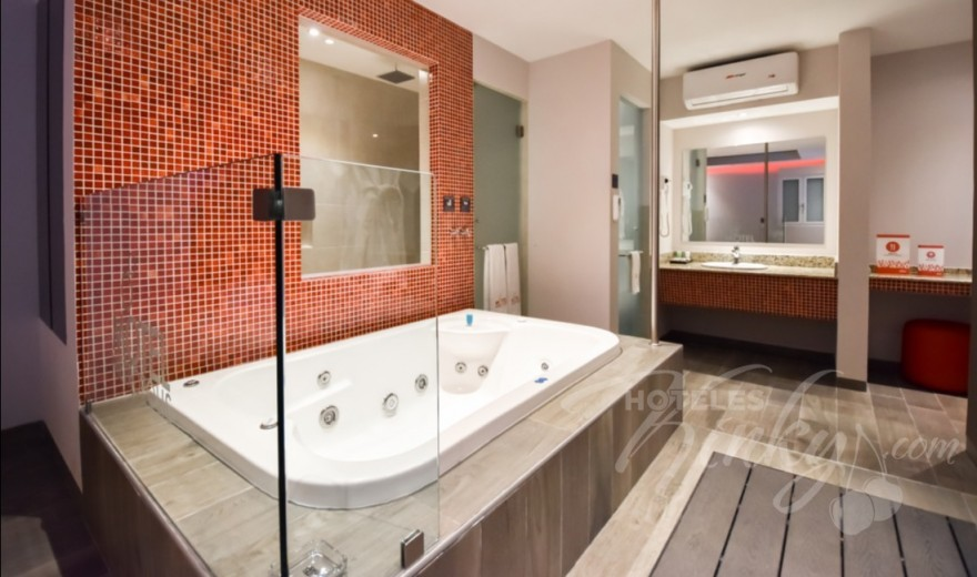 Habitaciòn Suite Jacuzzi  del Love Hotel Metrópolis
