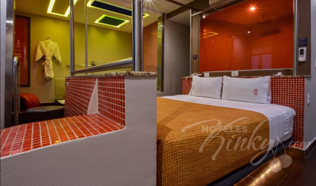 Love Hotel Metrópolis, Habitacion Villa Jacuzzi