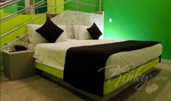 Love Hotel Montreal, Habitacion Suite