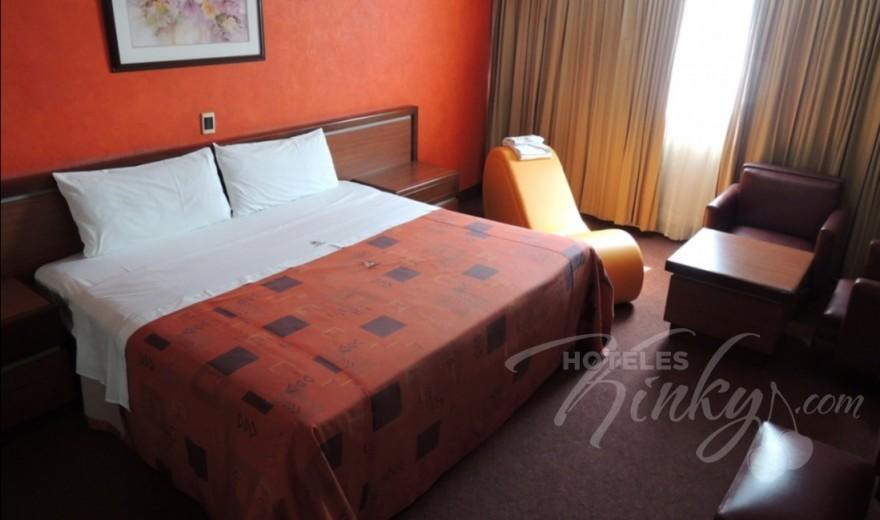 Love Hotel Montreal, Habitacion Torre Sencilla