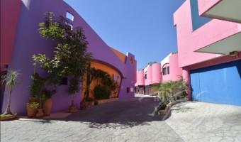 Love Hotel La Flor