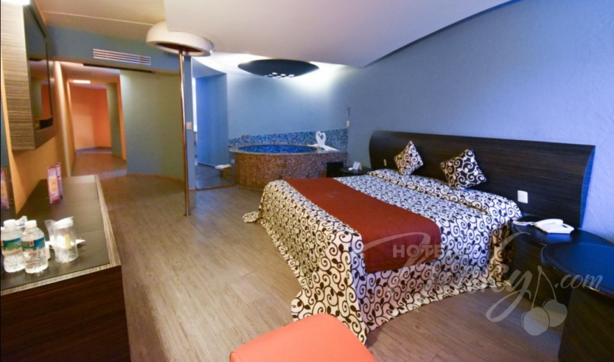 Love Hotel La Flor , Habitacion Jacuzzi