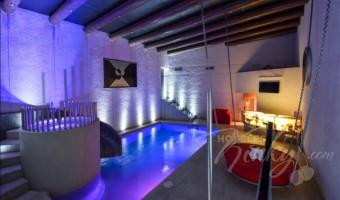 Love Hotel Newport Villas & Suites