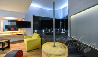 Love Hotel Newport Villas & Suites, Habitacion Jacuzzi