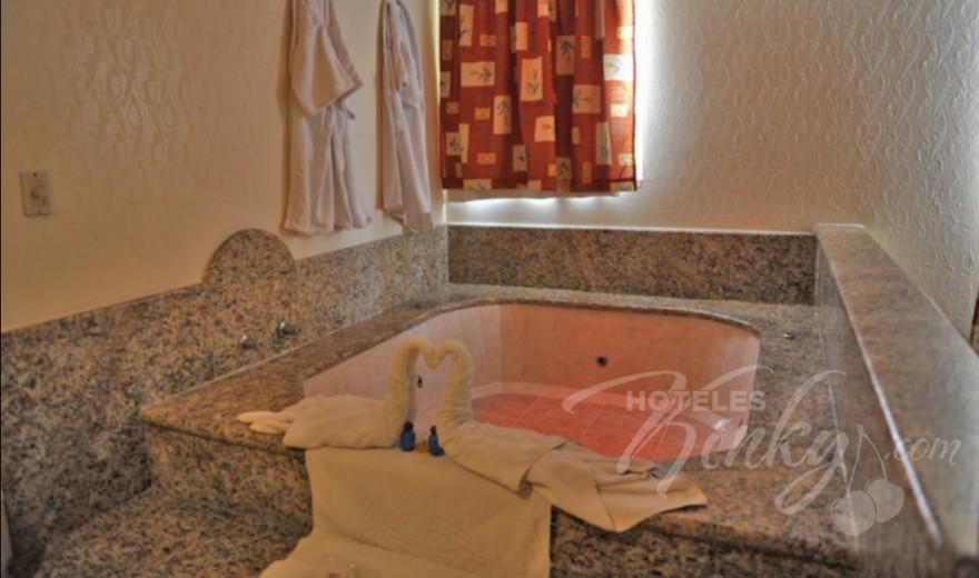 Love Hotel Auto Hotel Niza, Habitacion Suite Jacuzzi