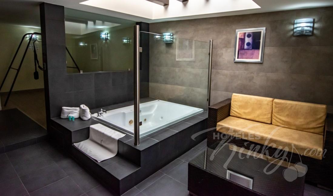 Love Hotel Nuevo Tijuana , Habitación Jacuzzi