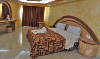 Love Hotel Oasis, Habitación Jacuzzi