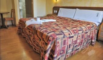 Love Hotel Oasis, Habitación Sencilla