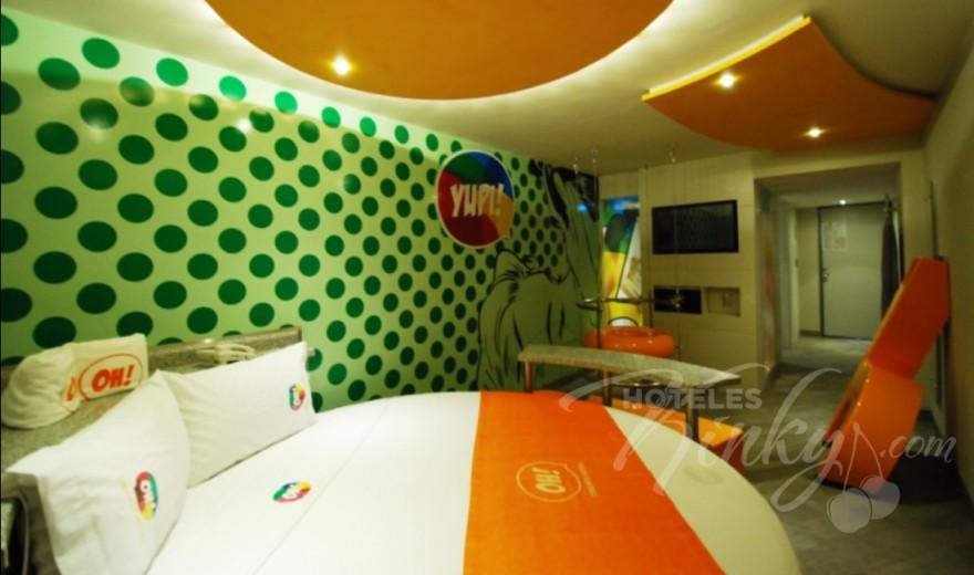 Love Hotel OH Oriente, Habitacion Suite junior YUPI! / WUHU!