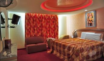 Love Hotel Auto Hotel Paris, Habitacion Suite del Amor