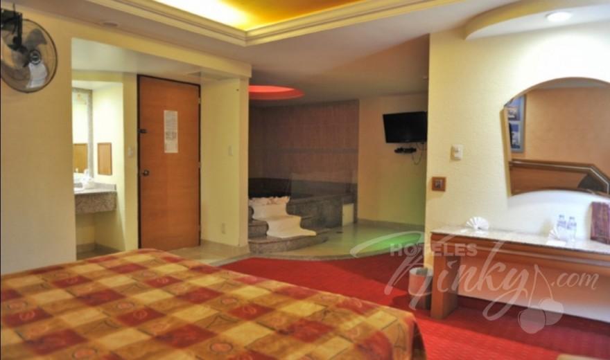 Habitaci n suite jacuzzi del motel auto hotel paris for Hotel paris jacuzzi