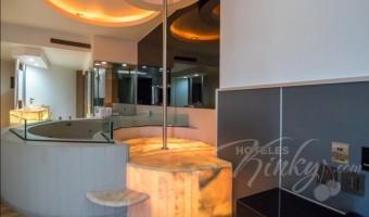 Love Hotel Pasadena Hotel & Villas , Habitacion Torre Jacuzzi VIP