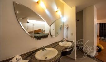 Love Hotel Pasadena Hotel & Villas , Habitacion Villa Jacuzzi Jr.