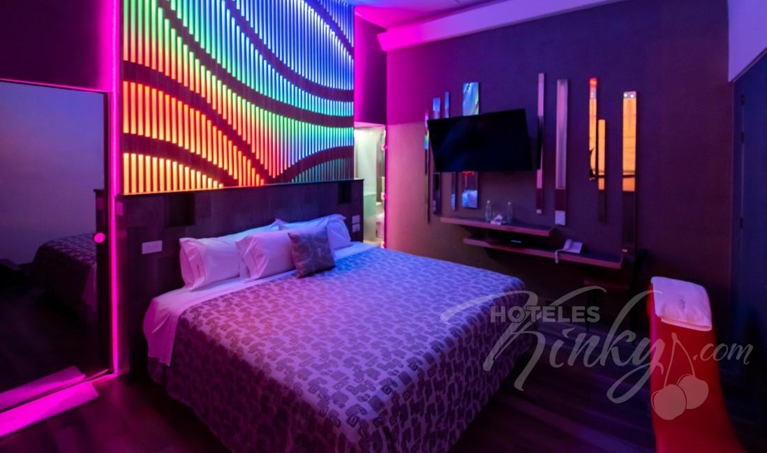 Habitaciòn Villa Alberca del Love Hotel Patriotismo Hotel & Villas
