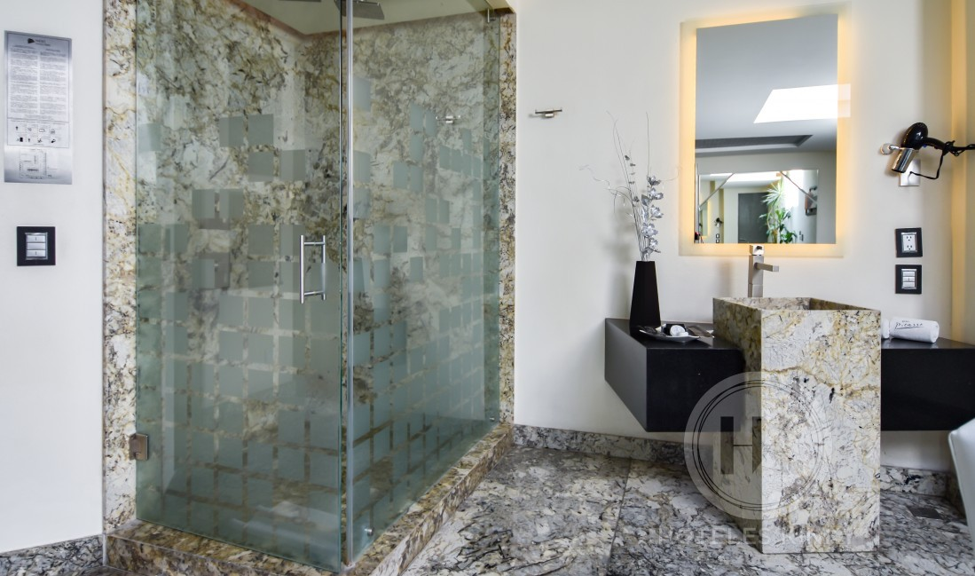 Habitaciòn Master Suite del Love Hotel Picasso Toluca