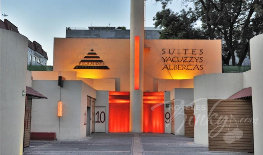 Love Hotel Pirámides del Valle