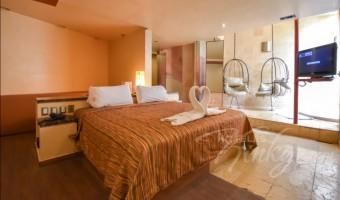 Love Hotel Pirámides del Valle, Habitación Jacuzzi