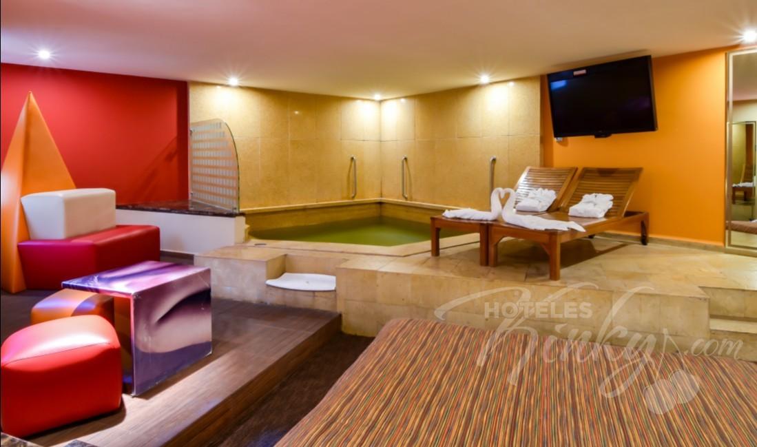 Love Hotel Pirámides Narvarte, Habitacion Suite Alberca