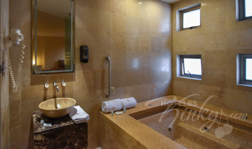 Love Hotel Pirámides Narvarte, Habitacion Suite Jacuzzi