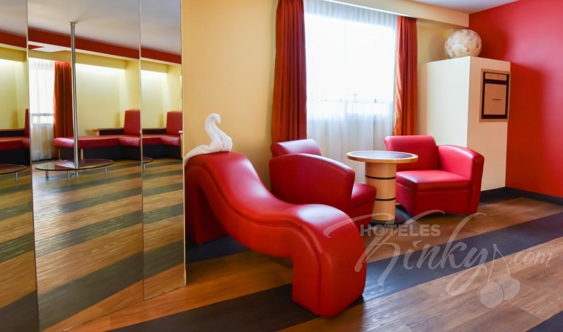 Habitaciòn Jacuzzi Villa  del Love Hotel Plaza del Rey Hotel & Villas