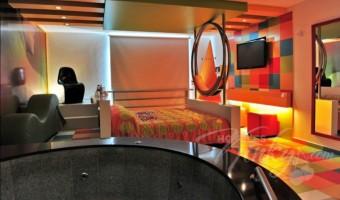 Love Hotel Pop Life, Habitacion Suite Jacuzzi