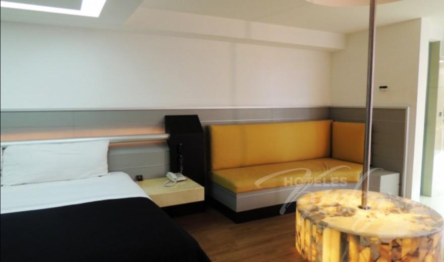 Love Hotel Villa Pórticos, Habitacion Master Suite con Potro
