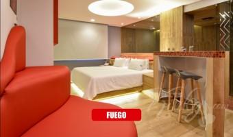 Love Hotel Quinto Elemento , Habitación Master Suite Jacuzzi Vapor